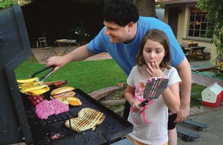 The King of San Marino Elizabeth and dad grilling